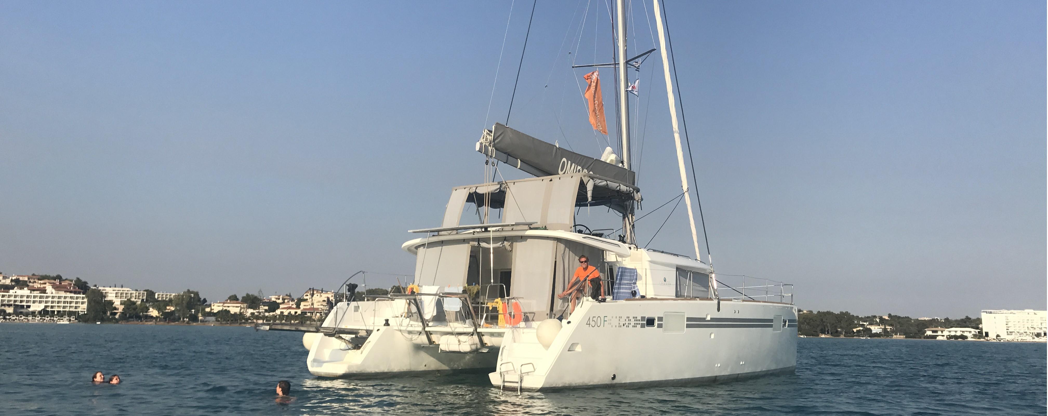 Zeilen op een catamaran